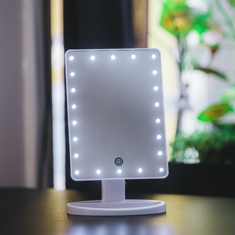 Makeup-mirror with LED-lights